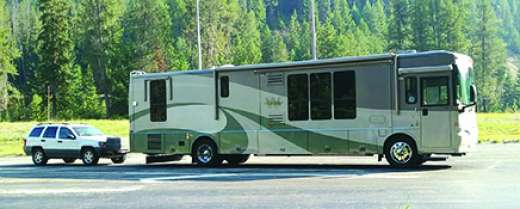 39.5' 205 WINNEBAGO JOURNEY