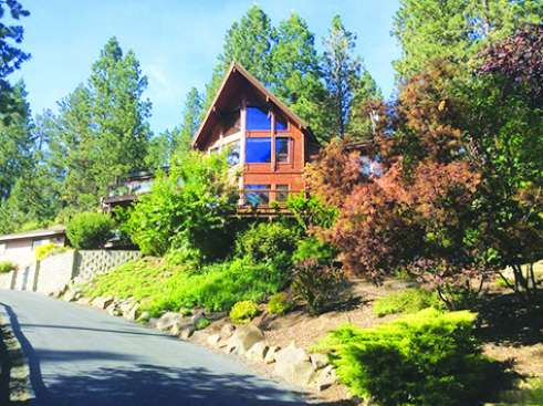 ​​​​​EXPANSIVE VIEWS OF LAKE CDA